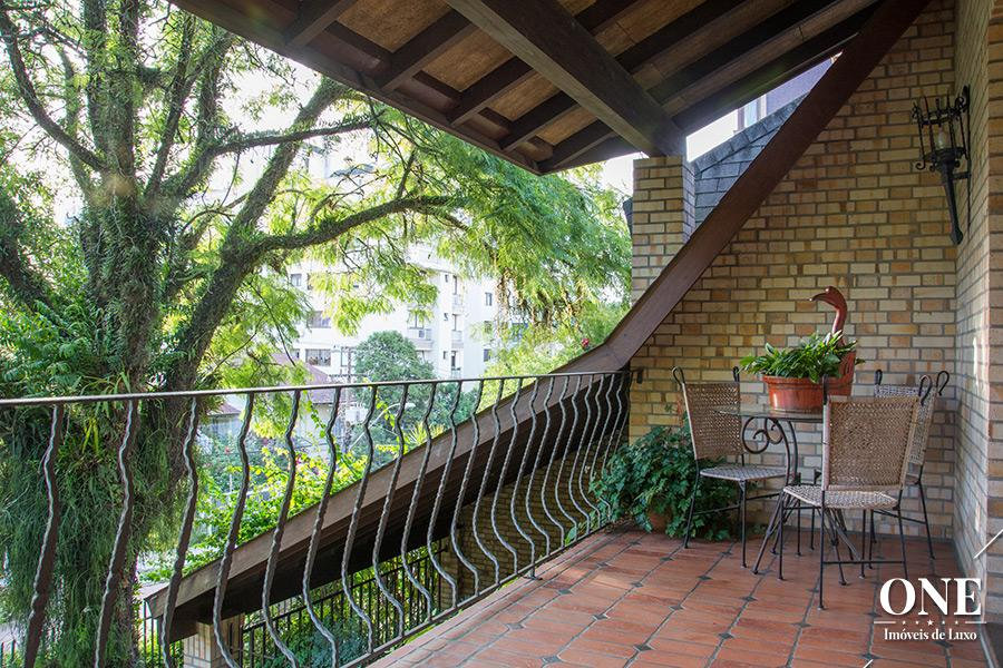 Casa de 6 dormitórios em Bela Vista, Porto Alegre - RS