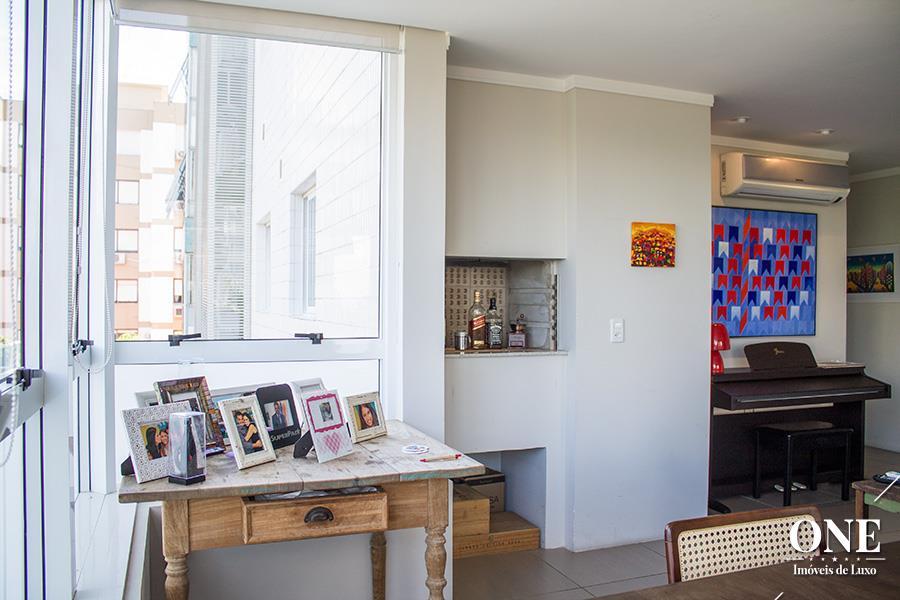 Apartamento de 3 dormitórios à venda em Três Figueiras, Porto Alegre - RS