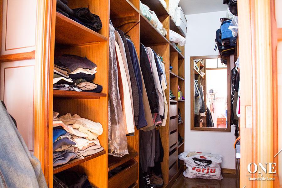 Apartamento de 4 dormitórios em Mont Serrat, Porto Alegre - RS