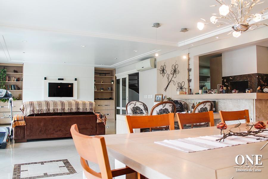 Casa de 5 dormitórios à venda em Jardim Botânico, Porto Alegre - RS