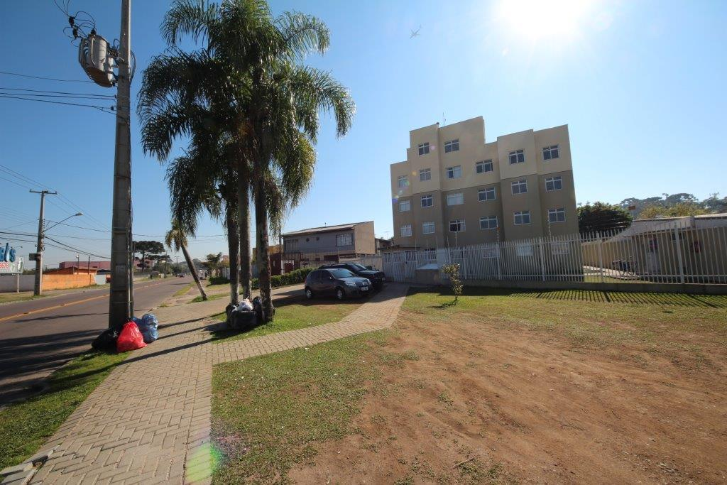Apartamento de 3 dormitórios em Uberaba, Curitiba - PR