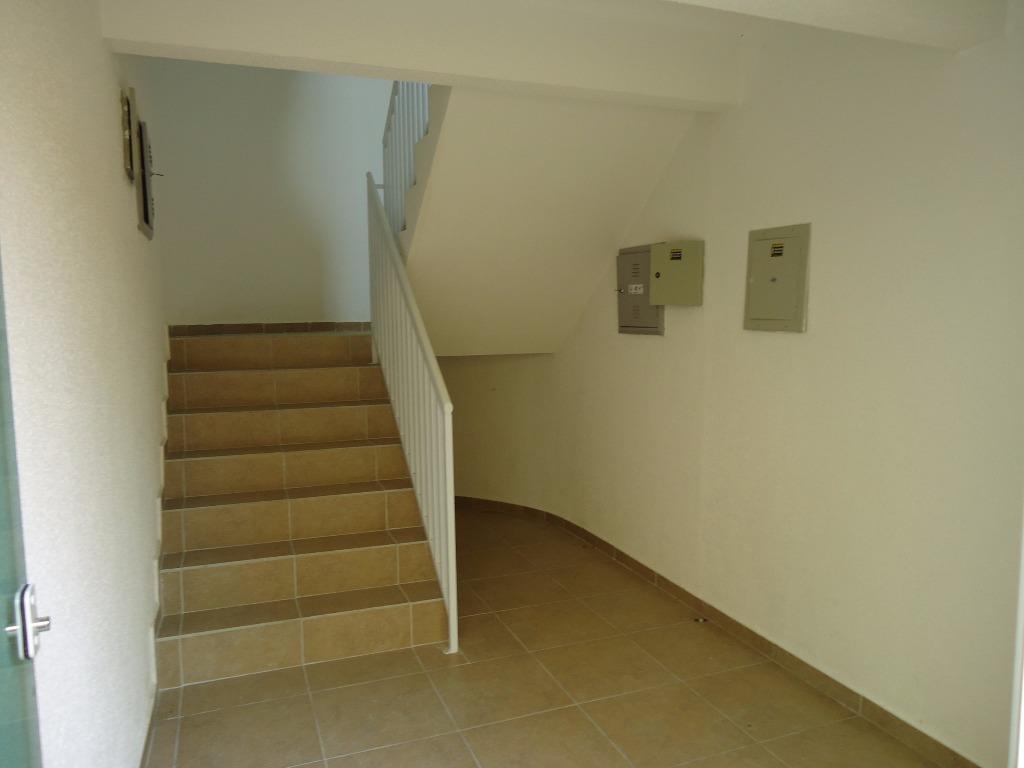 Apartamento de 2 dormitórios em Nações, Fazenda Rio Grande - PR