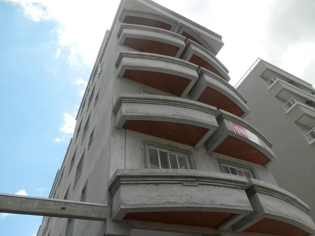 Apartamento de 2 dormitórios em Santa Quitéria, Curitiba - PR