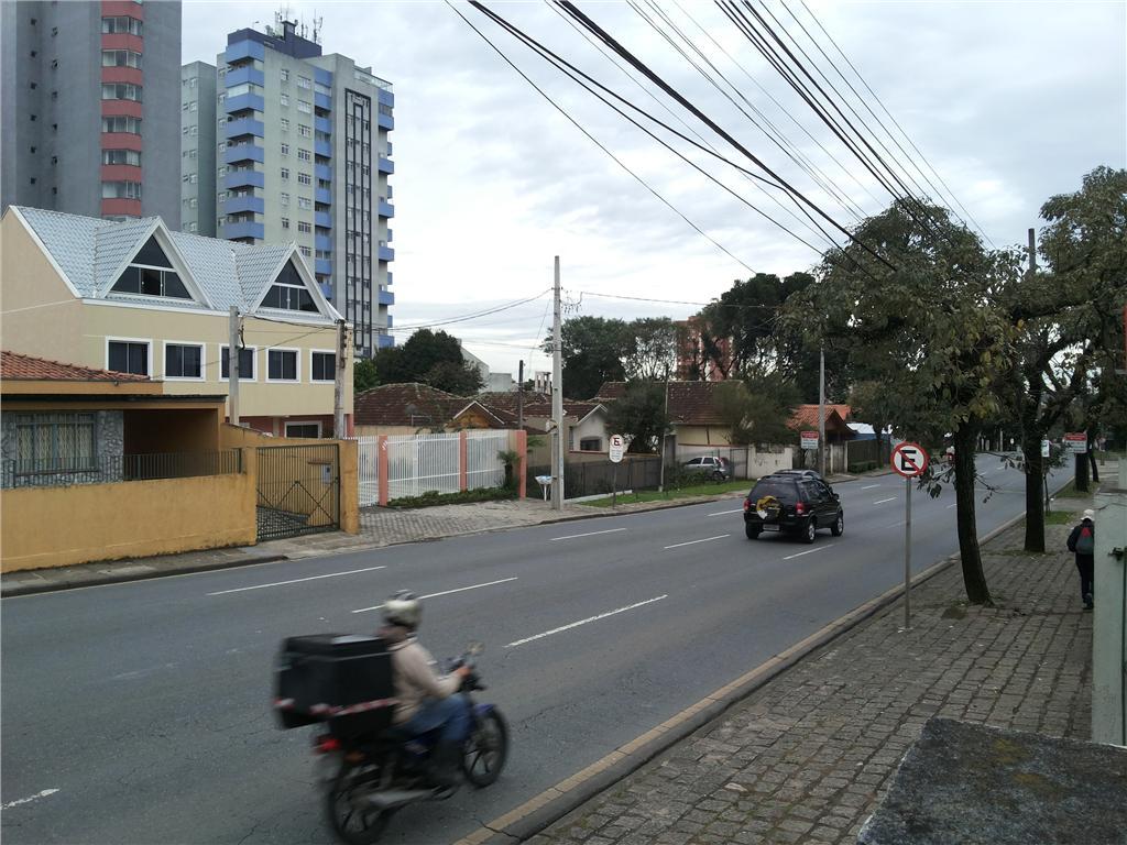 Terreno à venda em Bacacheri, Curitiba - PR
