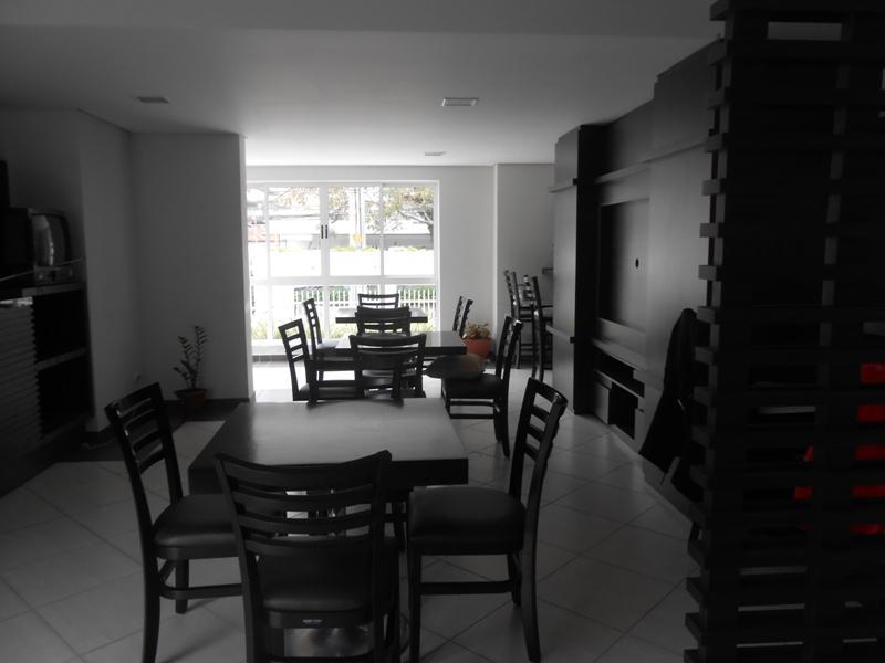 Kitnet de 1 dormitório à venda em Centro, Curitiba - PR