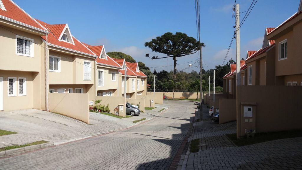 Sobrado  residencial à venda, Localizado próximo aos parques