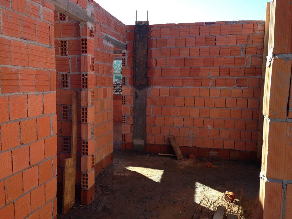 Casa à Venda - Saguaçu