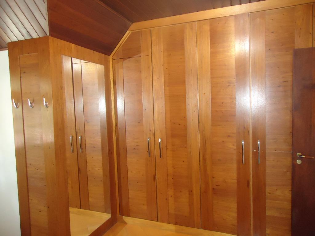 Casa de 4 dormitórios à venda em Bom Retiro, Curitiba - PR