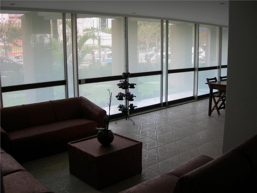 Apartamento de 2 dormitórios em Centro Cívico, Curitiba - PR