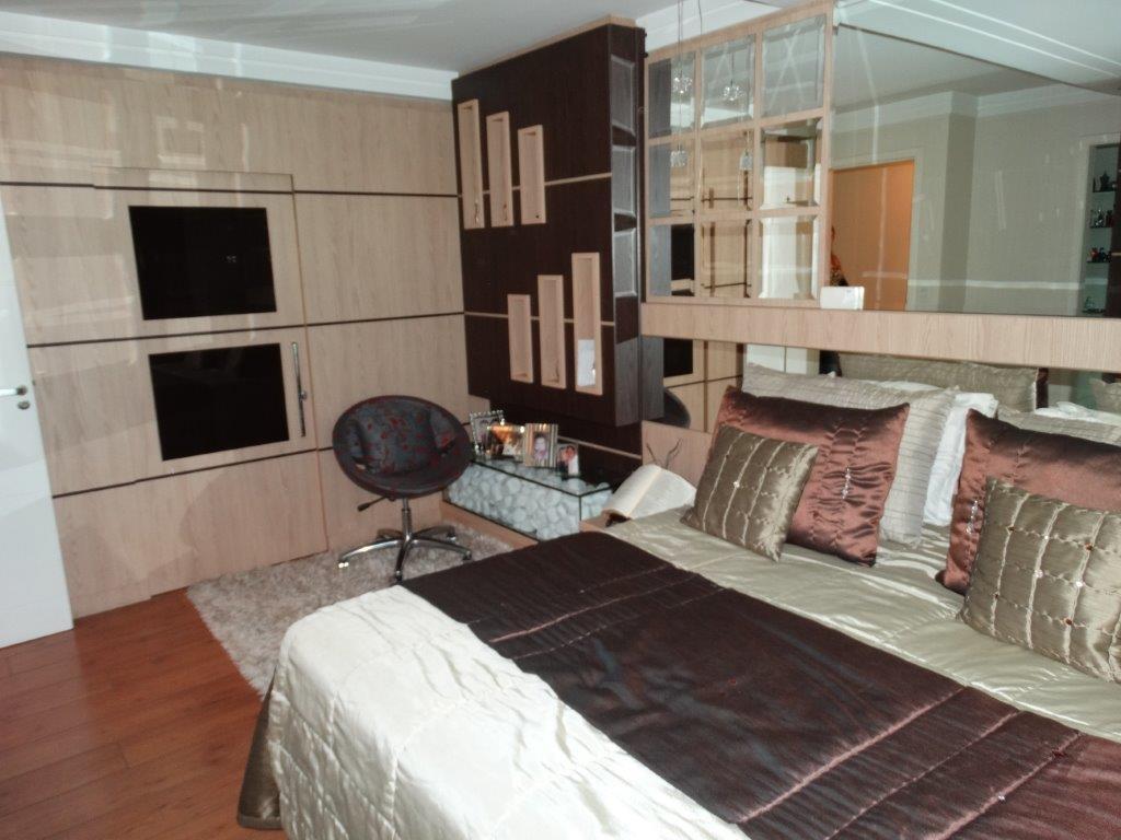 Casa de 4 dormitórios à venda em Jardim Das Américas, Curitiba - PR