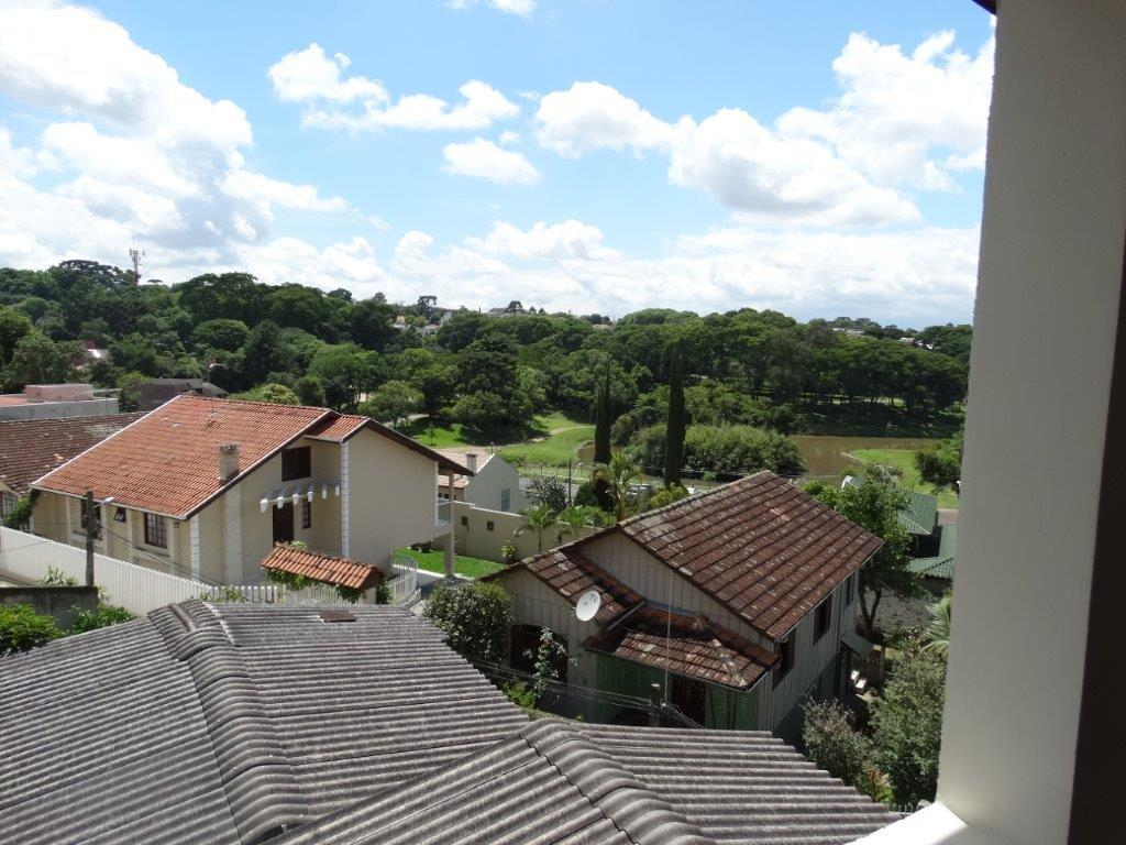 Casa de 4 dormitórios em São Lourenço, Curitiba - PR