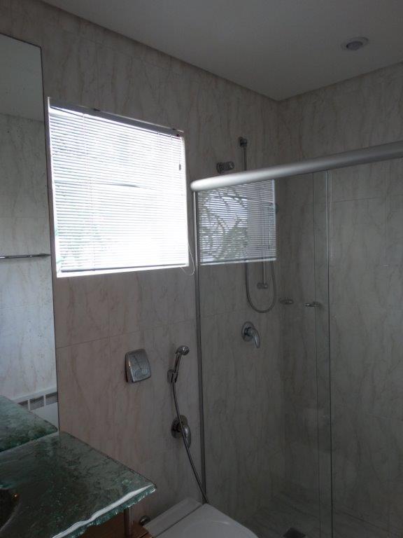 Casa de 4 dormitórios em Seminário, Curitiba - PR