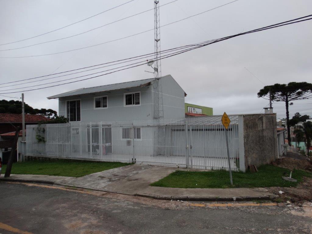 Casa de 4 dormitórios à venda em Xaxim, Curitiba - PR