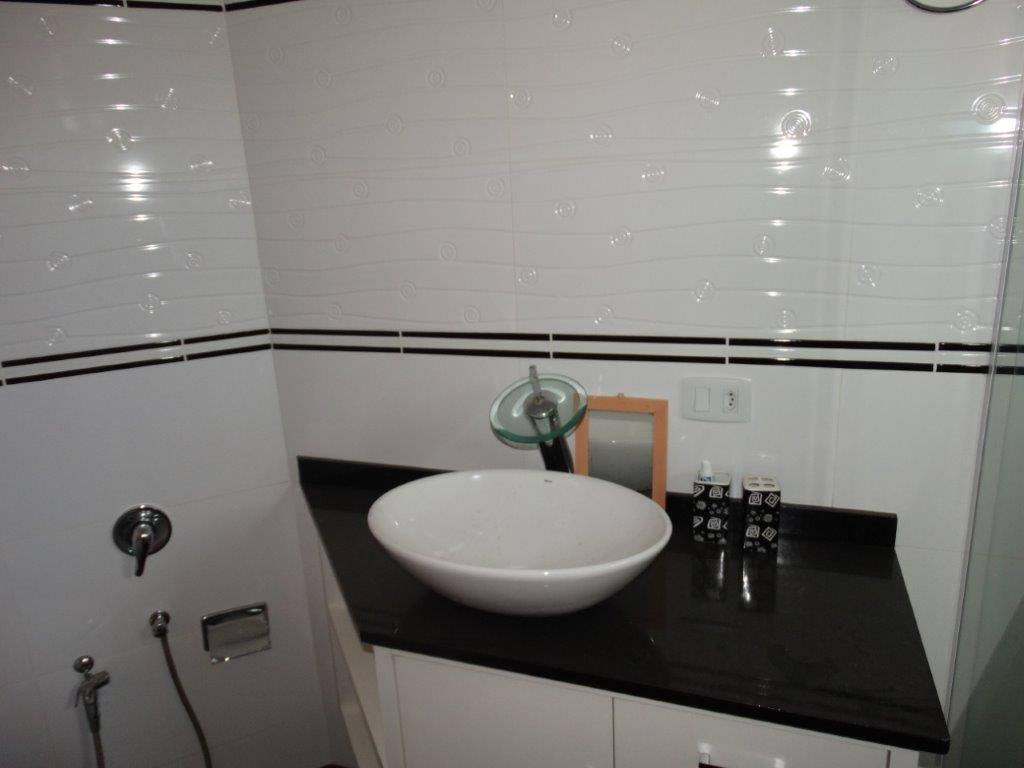 Sobrado de 3 dormitórios em Cachoeira, Curitiba - PR