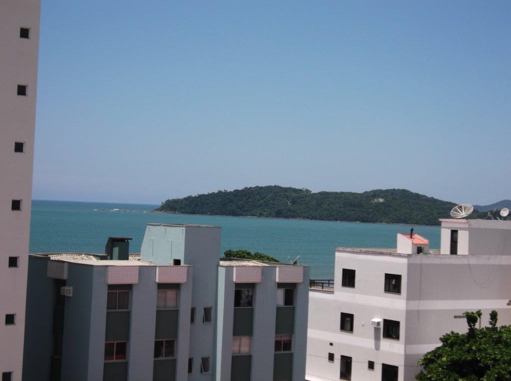 Apartamento de 2 dormitórios à venda em Centro, Piçarras - SC