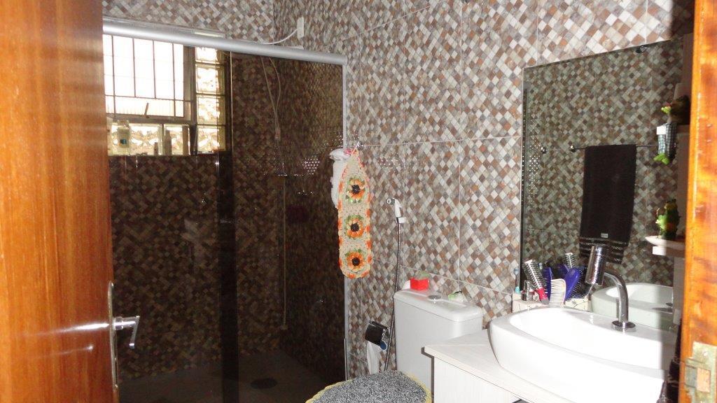 Casa de 4 dormitórios em Boqueirão, Curitiba - PR
