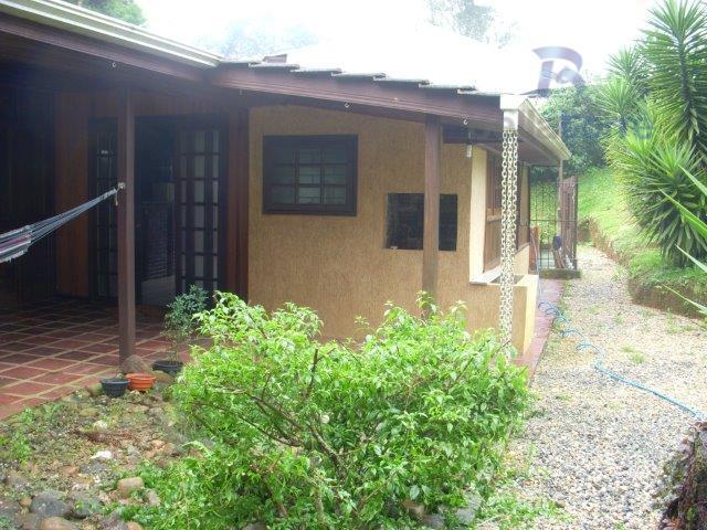 Casa de 2 dormitórios à venda em Butiatuvinha, Curitiba - PR