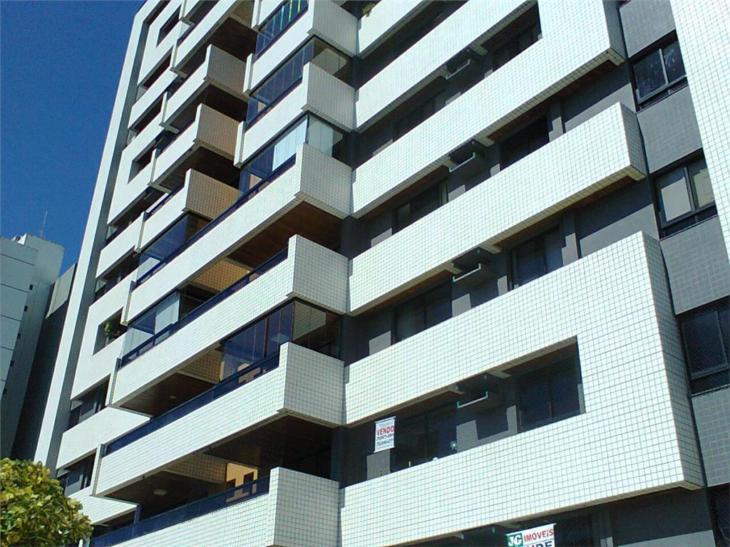 Apartamento  residencial à venda, Farolândia, Aracaju. de Henrique Dourado - Corretor de Imóveis.'