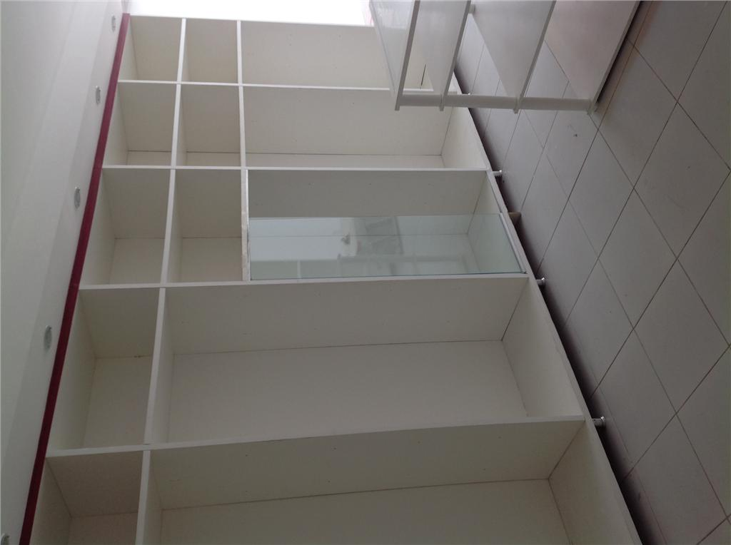 Apartamento com Ponto Comercial no pavimento térreo - Bairro de Henrique Dourado - Corretor de Imóveis.'