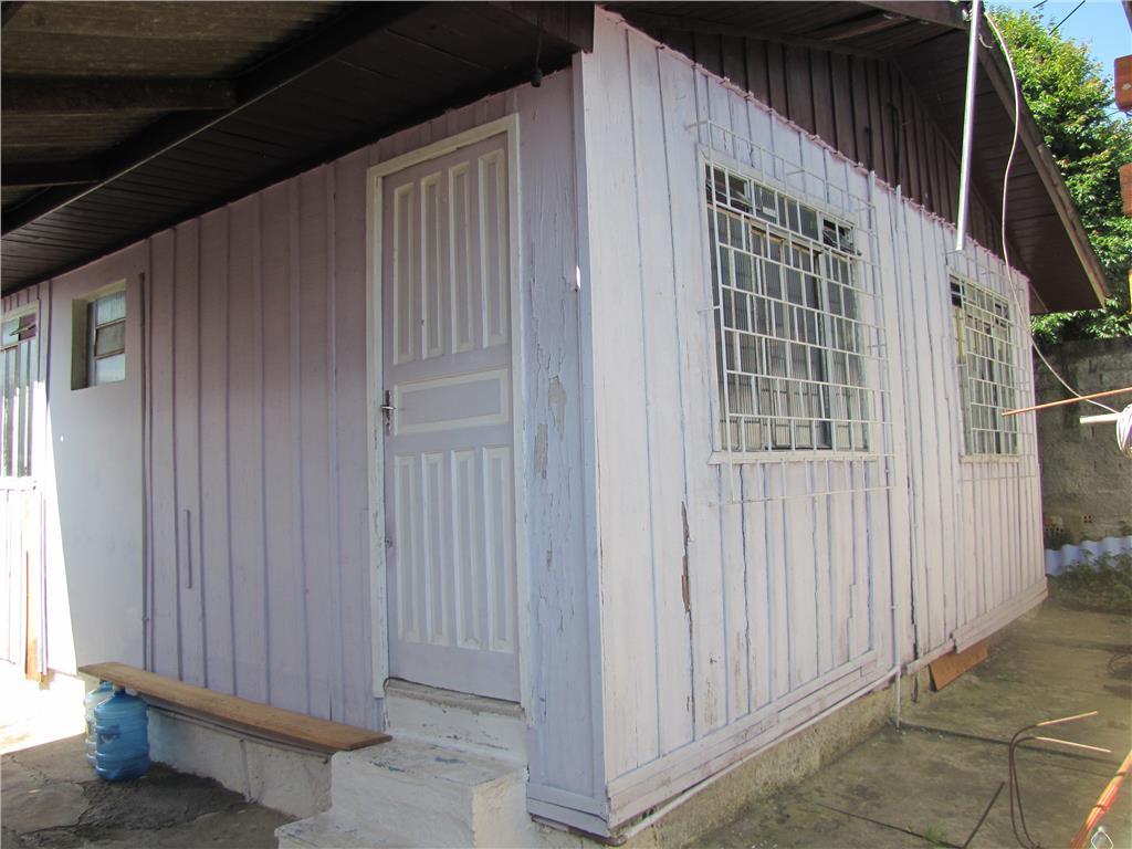 Casa em madeira, condomínio, 2 dormitórios no Bairro Alto