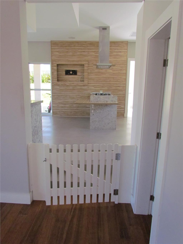 Casa de 4 dormitórios em Alphaville Graciosa, Pinhais - PR