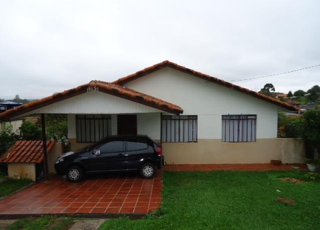 Residência, com 03 dormitórios em Lote de 407m²