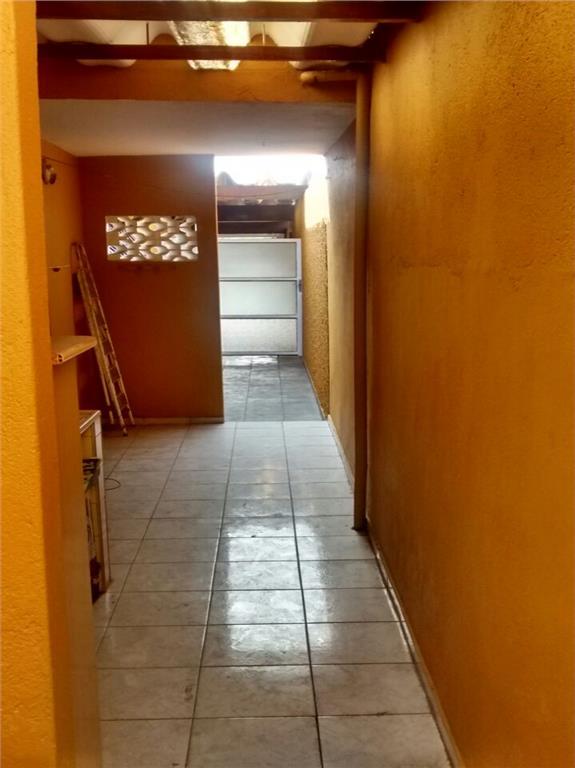 Casa de 2 dormitórios à venda em Vila Figueira, Suzano - SP