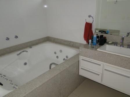 Sobrado de 4 dormitórios à venda em Vila Nova Socorro, Mogi Das Cruzes - SP