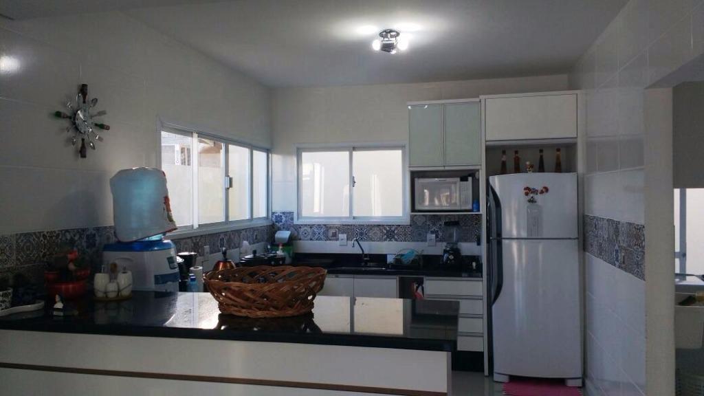 Metta Imobiliária - Casa 4 Dorm, Cacupé (CA0440) - Foto 11