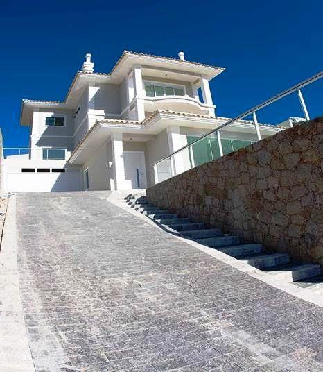 Metta Imobiliária - Casa 4 Dorm, Trindade (CA0442)