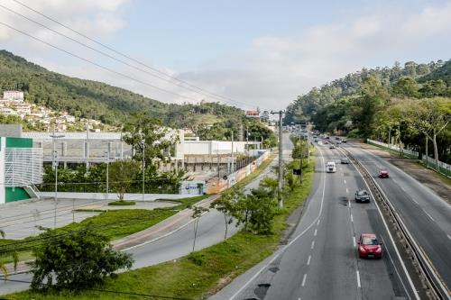 Metta Imobiliária - Sala, Saco Grande (SA0033)