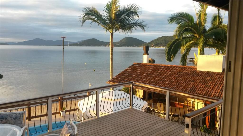 Casa 3 Dorm, Cacupé, Florianópolis (CA0293)