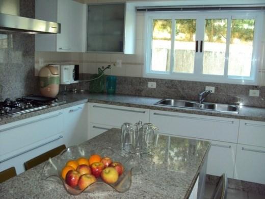 Metta Imobiliária - Casa 4 Dorm, Cacupé (CA0012) - Foto 11