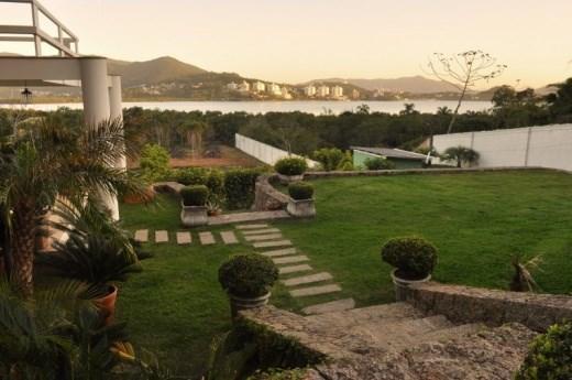 Casa 4 Dorm, Cacupé, Florianópolis (CA0132)