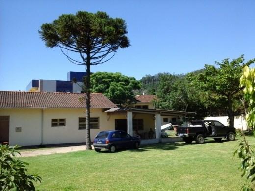 Casa 3 Dorm, Cacupé, Florianópolis (CA0043)