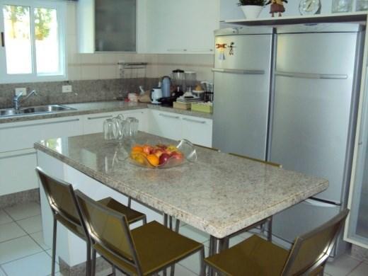 Metta Imobiliária - Casa 4 Dorm, Cacupé (CA0012) - Foto 5