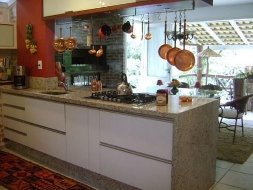 Metta Imobiliária - Casa 3 Dorm, Sambaqui (CA0101) - Foto 12