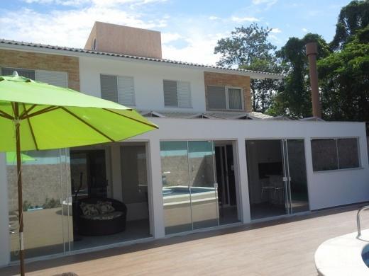 Metta Imobiliária - Casa 4 Dorm, Cacupé (CA0110)