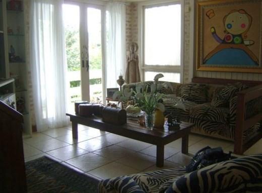 Metta Imobiliária - Casa 3 Dorm, Sambaqui (CA0101) - Foto 8