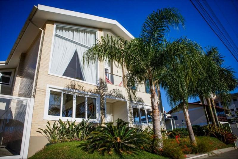 Casa 4 Dorm, Jurerê, Florianópolis (CA0382)