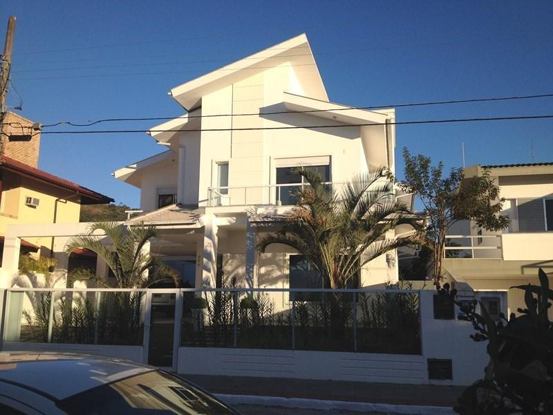 Casa 4 Dorm, Jurerê, Florianópolis (CA0379)
