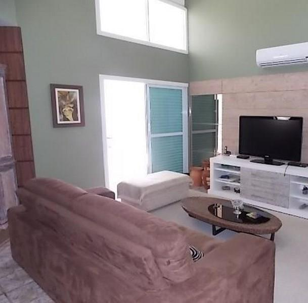 Casa 4 Dorm, Jurerê, Florianópolis (CA0385)