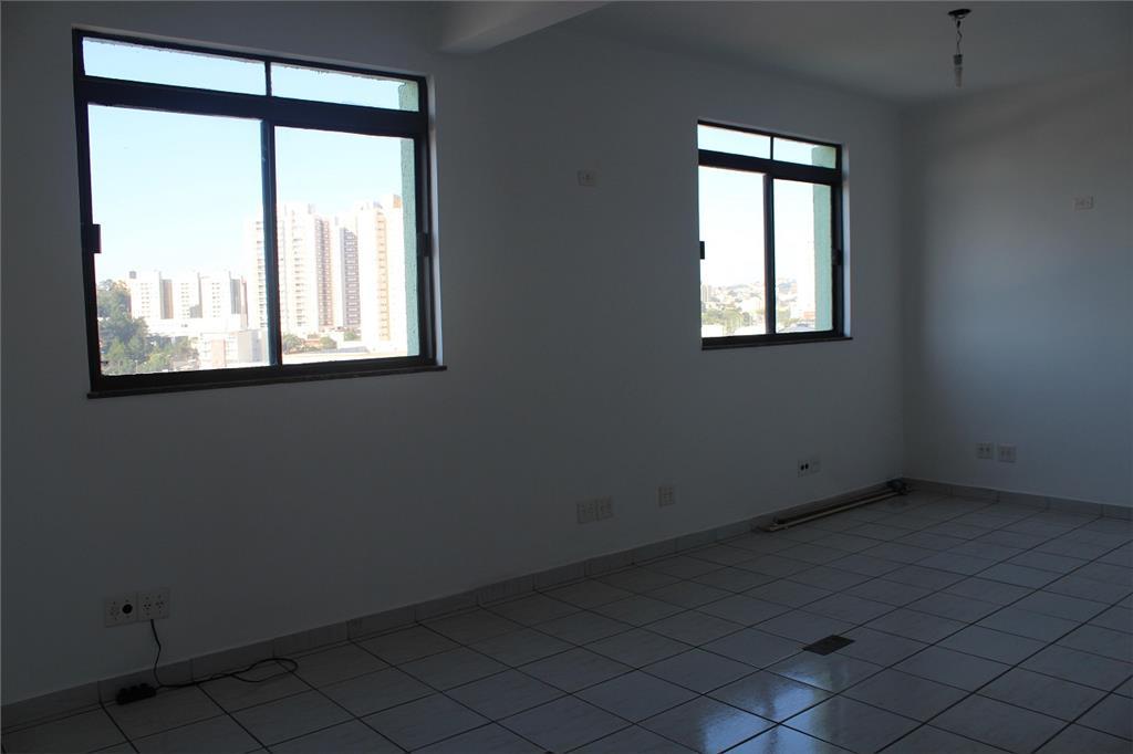 Sala de 80m² com 2 banheiros no Edifício Itororó, SBC.