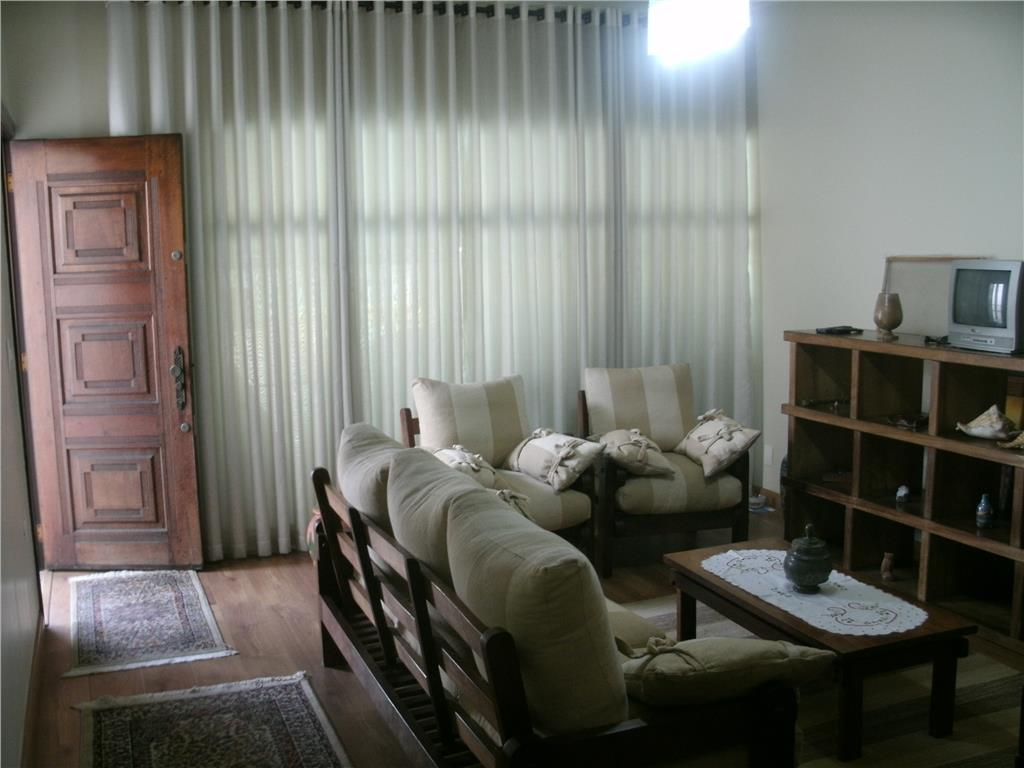 Sobrado de 266m² com 3 dorms c/ suite em Santo André.