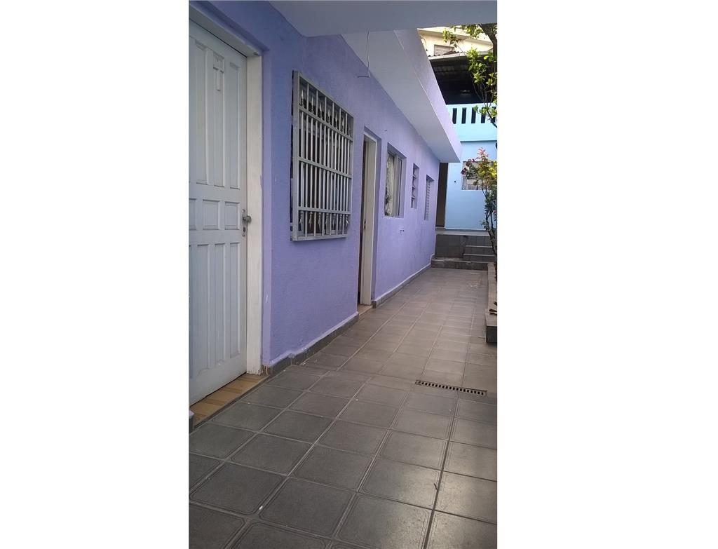 Casa de 165m² com 4 dorms em Santo André.