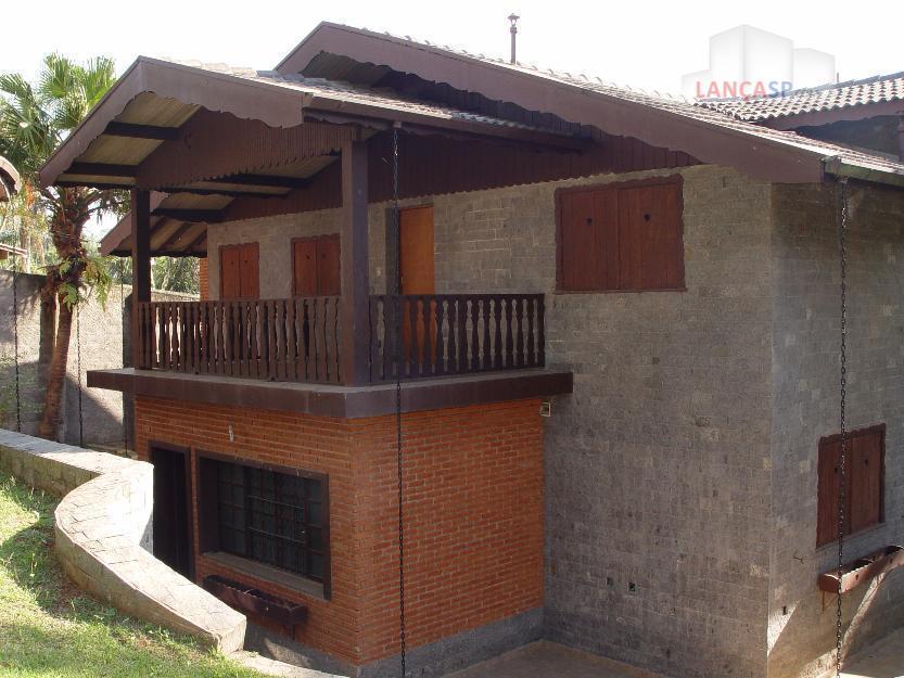 Linda casa em cond. fechado, 4 dorm c/ suíte, em Diadema!