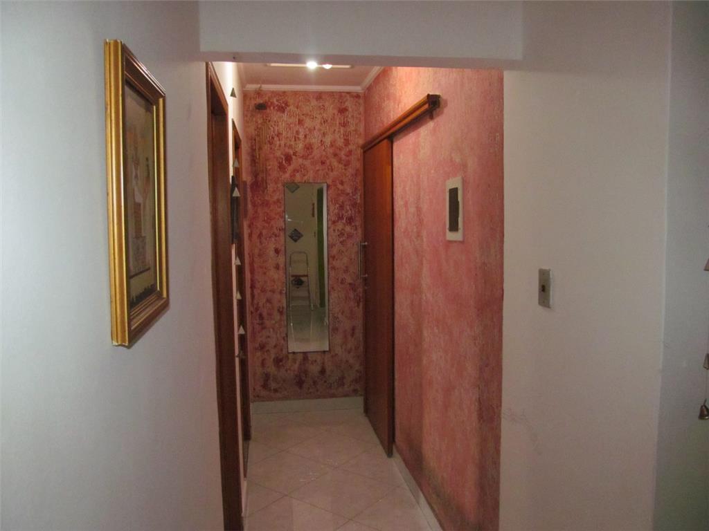 Apto p/ locação de 98m², 2 dorms c/ suite no Edifício Jequitiba, centro de Santo André.