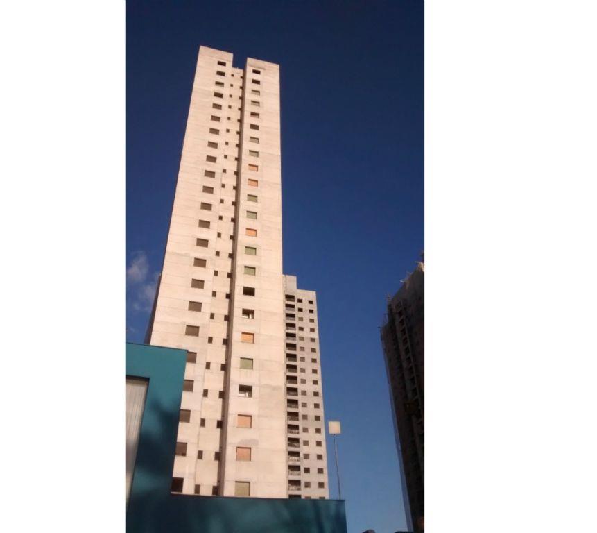 Apto de 66m² com 2 dorms c/ suite no Century Plaza, em Santo André.