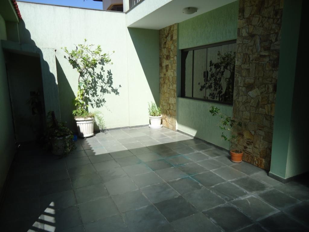 Sobrado de 175m² com 3 dorms c/ suite em Santo André.
