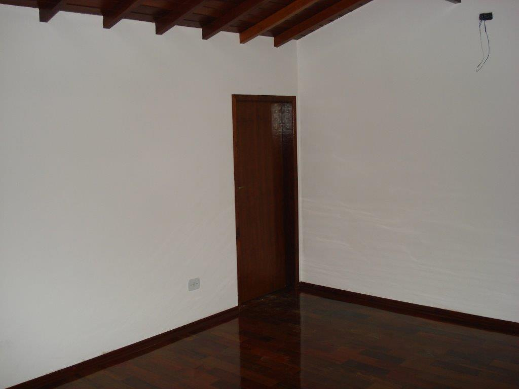 Sobrado com 221m² com 4 suites em Santo André.